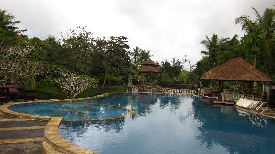 Santi Mandala: the swimming pool