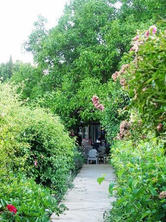 Лурмарен, Франция: L'arrivée au Jardin de Lourmarin, un bonheur
