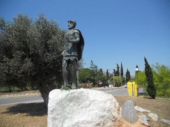 Marathon Battlefield and Museum: Marathon Battlefield: statue of Miltiades