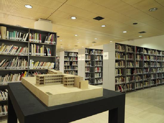 Mart la biblioteca picture of museo di arte moderna e for Museo d arte moderna e contemporanea di trento e rovereto
