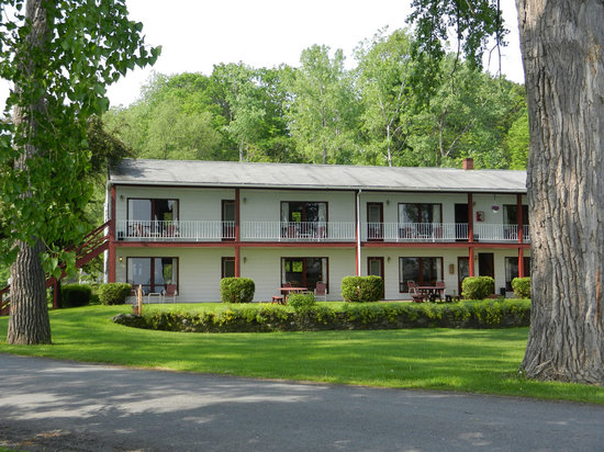 Himrod, Nova York: The Motel Rooms: all with a lake view