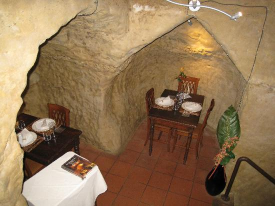 Antica Osteria da Divo: The grotto