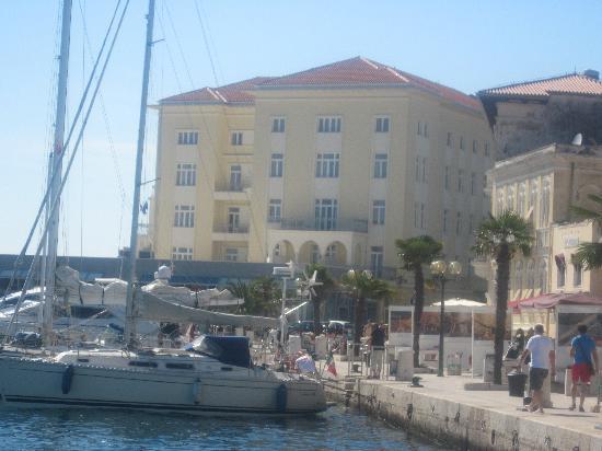 Grand Hotel Palazzo: view from marina
