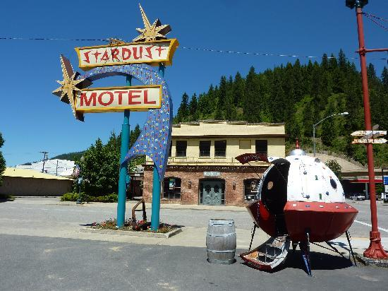 "The Stardust Motel: Cool retro Motel sign and ""escape pod"""