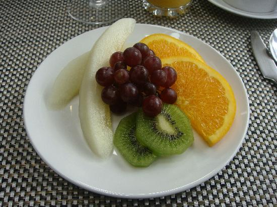 Abbeyglen Cottage B&B : Fruit plate