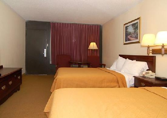 Super 8 Longview/North: Double beds