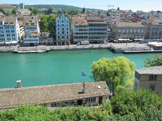 Zúrich, Suiza: Blick auf die Limmat