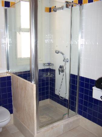 Columbia Beach Resort Pissouri : Salle de bain garden studio