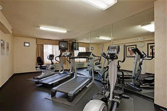Holiday Inn Express Colton: Fitness Room