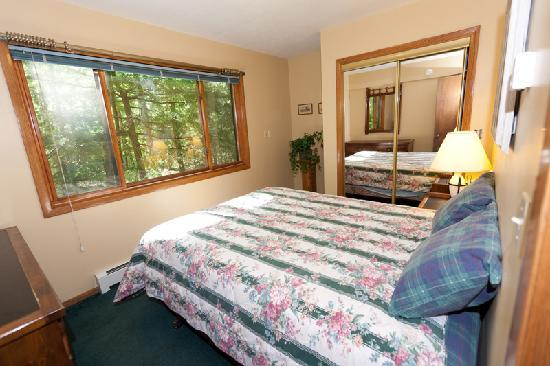 Door County Cottages: Gretnas: One of two smaller bedrooms out of the 3 available in this cottage.