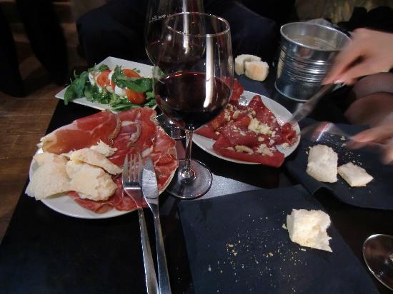 Le Wine Bar: Une soirée incroyable et inoubliable