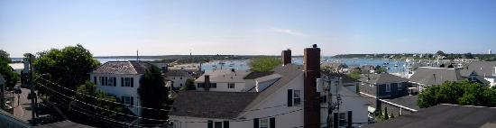 Vineyard Square Hotel & Suites: View from the rooftop porch...