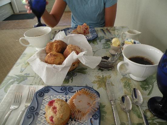 Grape Arbor Bed and Breakfast: Home made cherry muffins. Cherries were locally grown