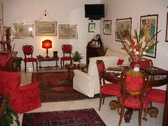 A Casa di Serena a San Pietro: Salone d'ingresso