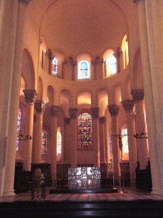 Clermont-Ferrand, Frankrig: Notre Dame Du Port