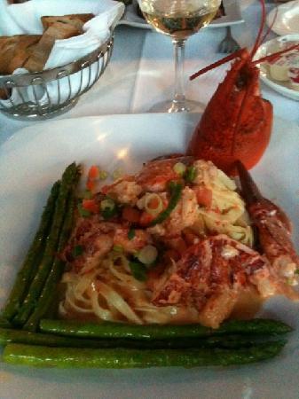 Restaurant Louis-Hebert: Lobster Pasta with Asparagus