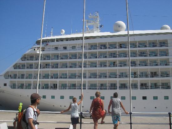 Lito Hotel: harbour 2