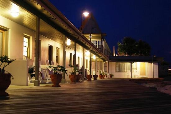 Edgewater Inn: The Edgewater at Night