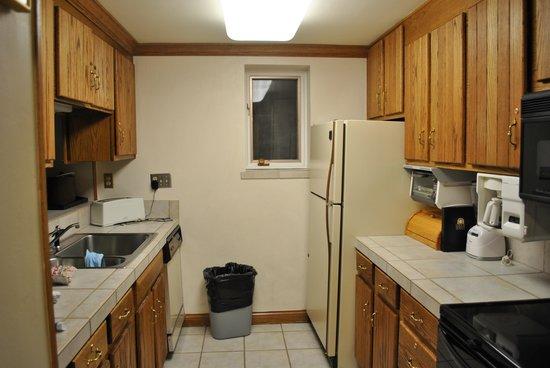 Lodge Tower: Kitchen