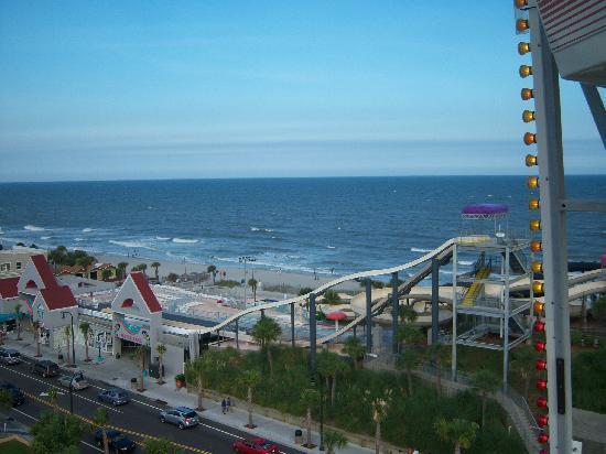 Family Kingdom Amusement Park: view from Ferris Wheel