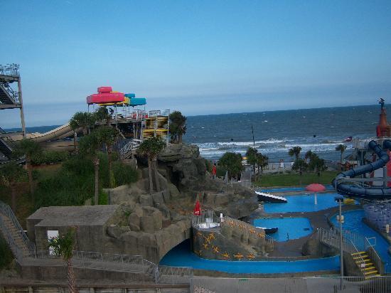 Family Kingdom Amusement Park: waterpark across street (view from Ferris Wheel)