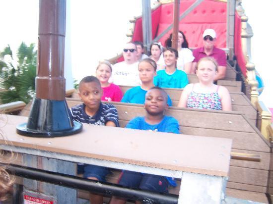 Family Kingdom Amusement Park: Galleon ship ~plus size beware~