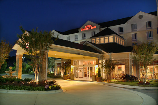 Hilton Garden Inn Chattanooga / Hamilton Place: The Hilton Garden Inn Chattanooga Hamilton Place is located off of Interstate 75 at exit 5.