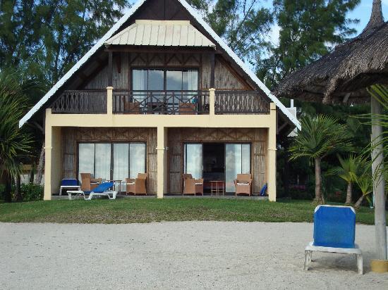 Preskil Beach Resort: Our Room - bottom left