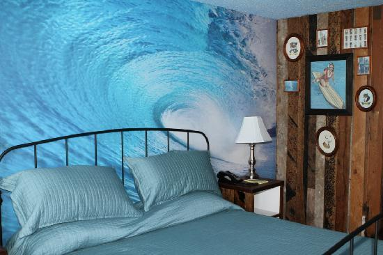 Huntington Surf Inn: Enjoy the waves!