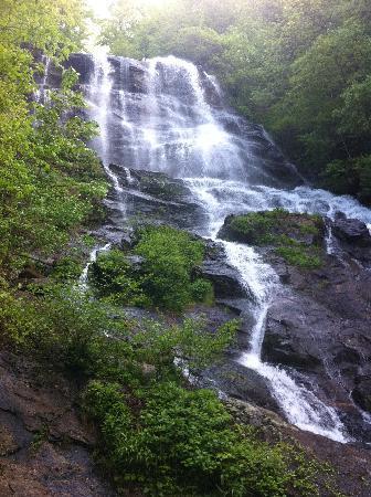 Amicalola Falls Lodge: the falls