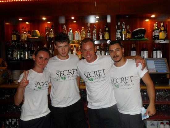 Secret Fountain Roof Bar Garden : Jason and the rest of the staff