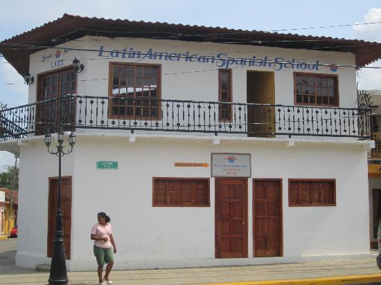 Latin American Spanish School: the 2nd story is where classes take place.