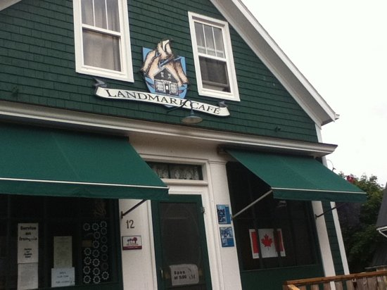Victoria, Canadá: Landmark Cafe, a true original.
