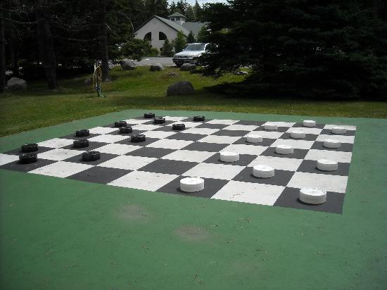 Spruce Point Inn Resort and Spa: The larger-than-life checkerboard