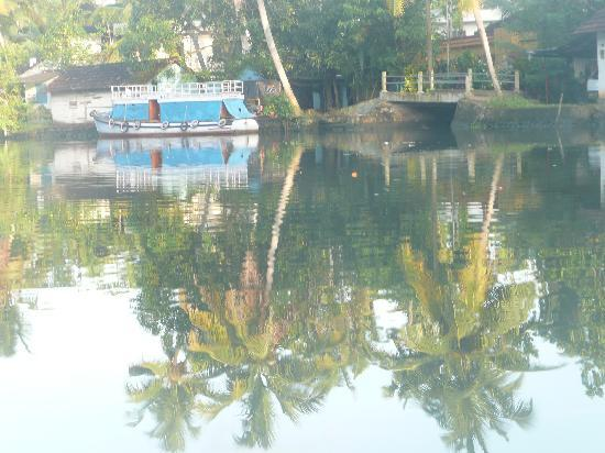Kottayam, Indien: unterwegs auf den backwaters
