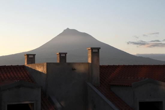 Estrela do Atlantico: Mt Pico as seen from our balcony