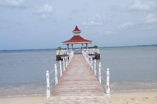 Grand Bahia Principe La Romana: Nice Gazebo in the hotels beach