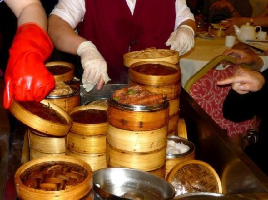 Grand Harmony Restaurant: Little dishes/dumplings are served in these containers