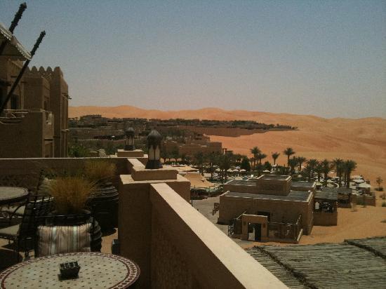 Qasr Al Sarab Desert Resort by Anantara : terrazza lobby