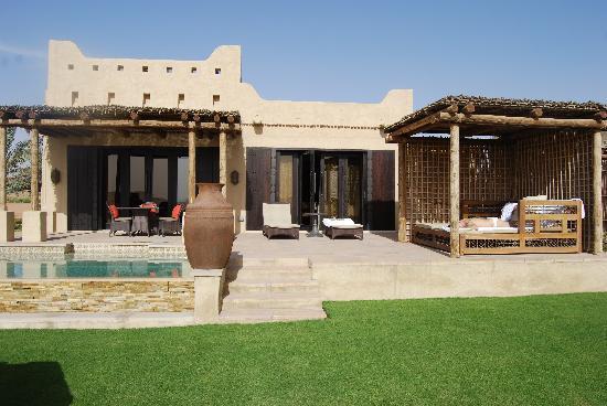Qasr Al Sarab Desert Resort by Anantara : onebedroom villa- esterno