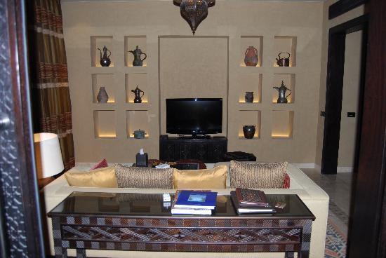 Qasr Al Sarab Desert Resort by Anantara : onebedroom villa- salotto