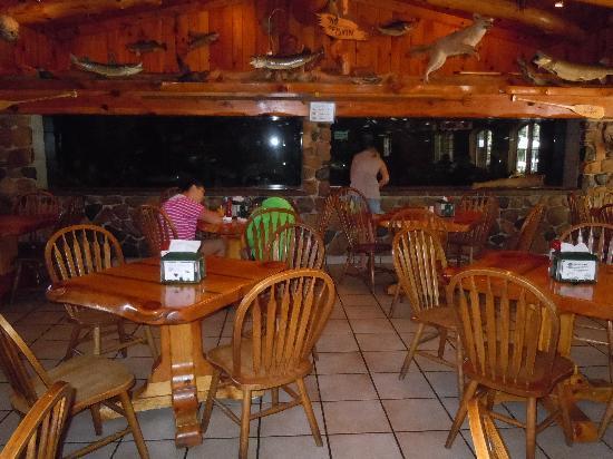 Cedar Lodge & Settlement: Great Restaurant