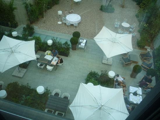 Alma Barcelona: The garden restaurant seen from the room