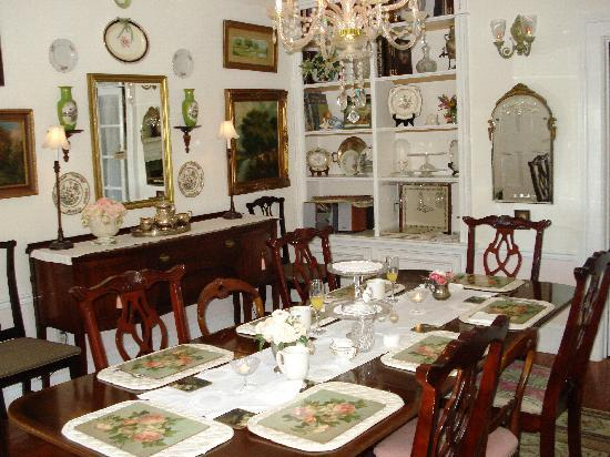 Abbey's High Street Bed and Breakfast: the dining room
