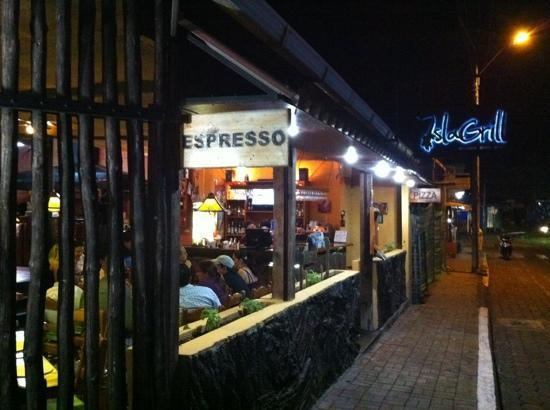 IslaGrill: nice and open