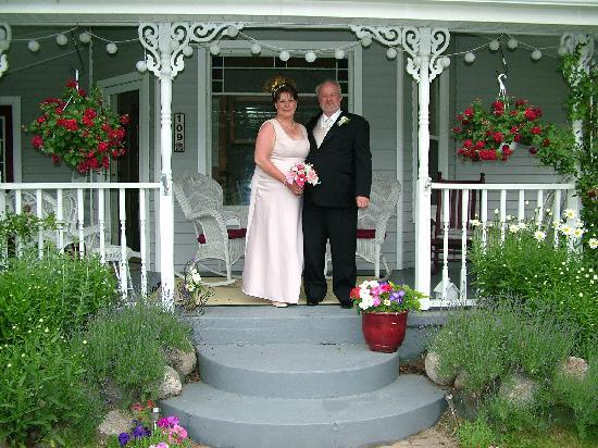 MacDougall House Bed and Breakfast: Newlyweds
