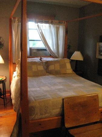 Cedar Creek Bed and Breakfast: The Hideaway