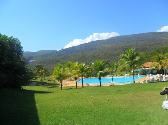 Aguas de Santa Barbara Resort Hotel : Vista dos apartamentos da piscina
