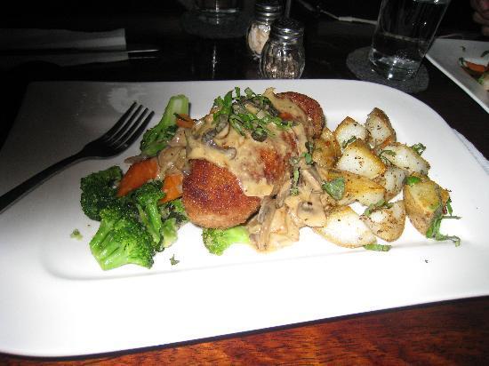 La Hacienda Restaurante: chicken with stuffed shrimp