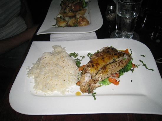 La Hacienda Restaurante: very bland sea bass. do not order